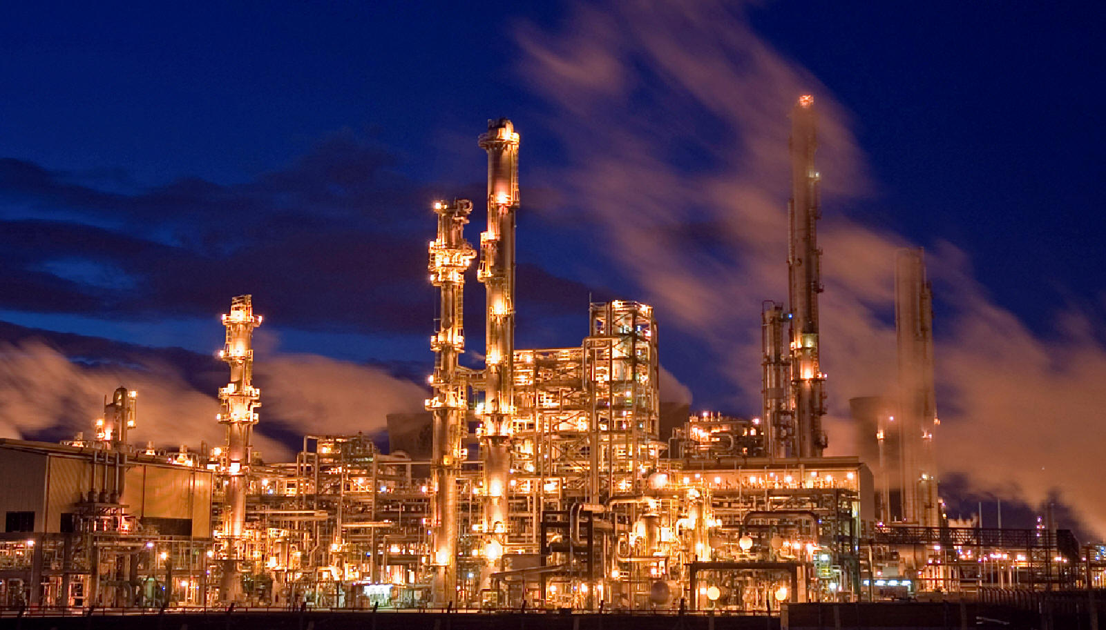 countrys largest refinery - HD 1601×913